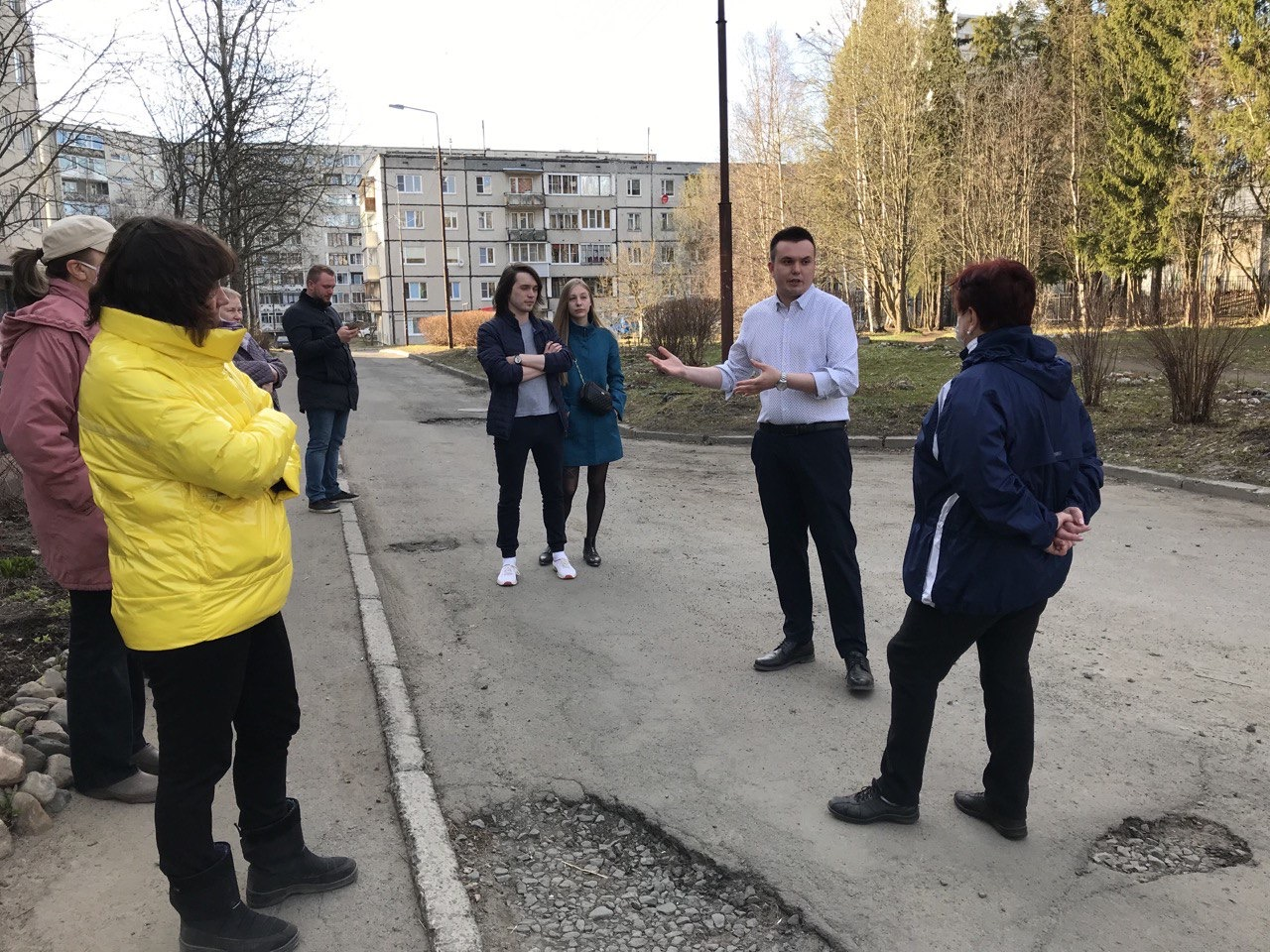 Ройне Изюмов на встрече с жителями Кукковки